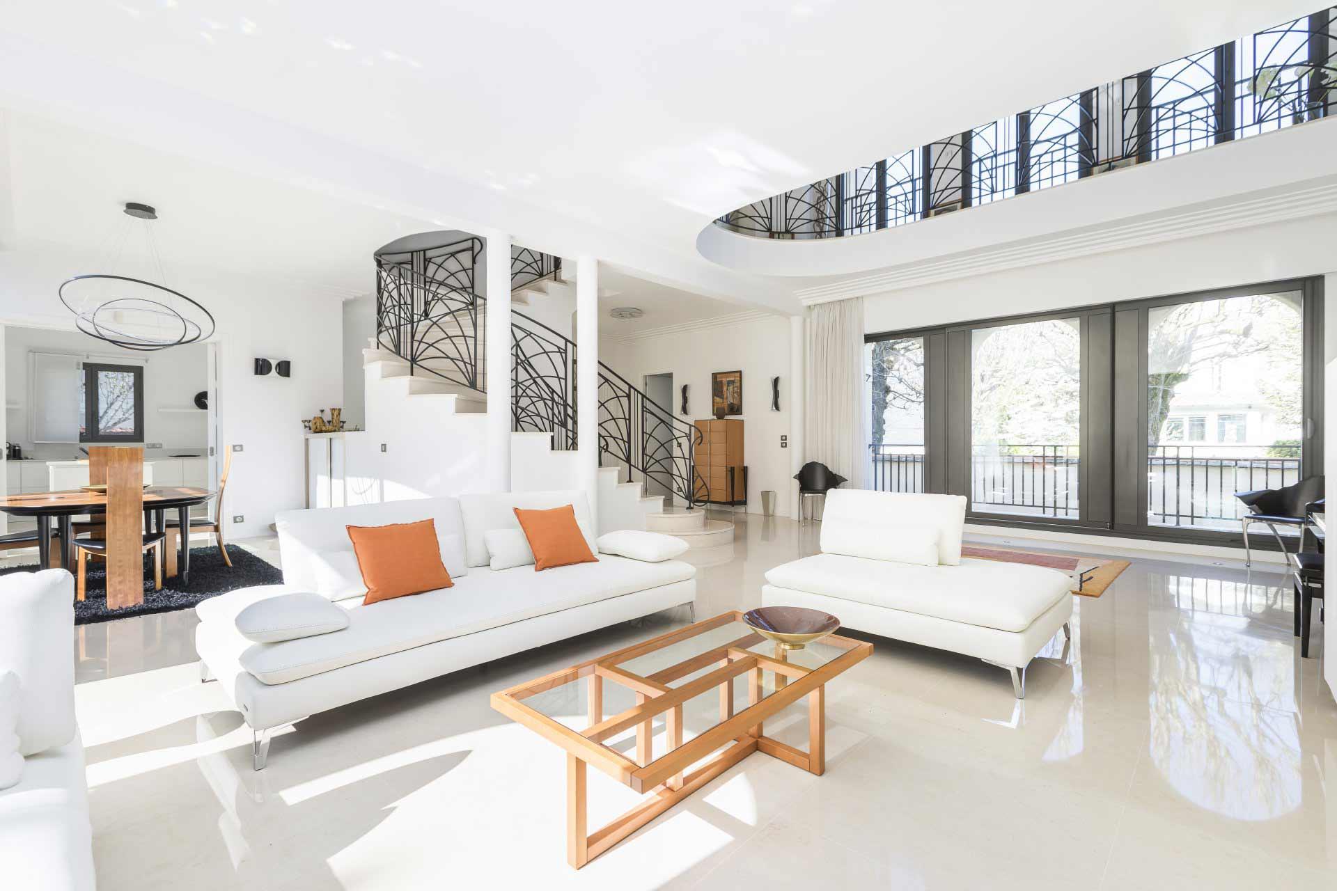 La Varenne-Saint-Hilaire - France - House , 10 rooms, 7 bedrooms - Slideshow Picture 1